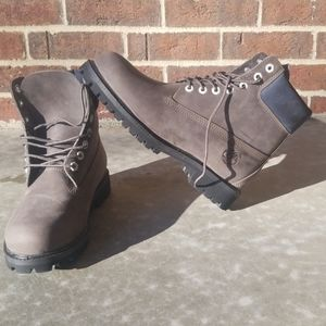 NWOT Timberland Boots, sz 8